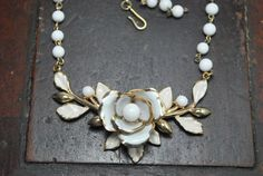 Vintage signed Coro white enamel rose necklace by Bungelowjame