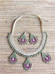 Tığ İşi Pullu Kolye Küpe Takım - Tığ İşi Pullu Kolye Küpe Takım - crochet necklace and earring set