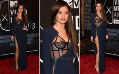 Sel foi, sem dúvidas, a mais bem vestida da noite. A cantora usou um vestido longo bem sexy da Versace. O modelo, além de ter uma fenda superousada, ainda tinha um top que lembrava uma lingerie. Total sexy glam!