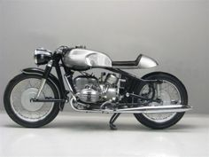 hmm...normally, i do not like BMW bikes, but this looks super cool as a cafe racer.