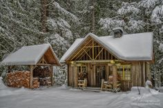 ❦ 'Still Th'Air in Snow' - a cabin built by Henry Steiner, and his son John. Rhododendron, OR Tiny Cabins, Cabins And Cottages, Log Cabins, Cabin Homes, Log Homes, Timber Homes, Oregon Snow, Getaway Cabins, Shed Plans
