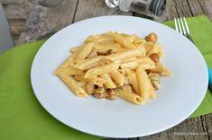 Paste cu sos cremos de ciuperci reteta rapida | Savori Urbane Paste, Ethnic Recipes, Food, Meals, Yemek, Eten