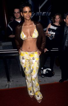 Halle Berry's Greatest Red Carpet Looks Halley Berry, Halle Berry Style, Halle Berry Hot, Bikini, Red Carpet Looks, Look At You, Beautiful Black Women, Sexy Outfits, Grunge Outfits