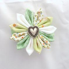 Dreamstar Diary: Handmade Monday Week 11 - The Kanzashi Fabric Flower