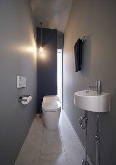 お手洗い|施工アルバム|事例紹介|ディーアンドエイチ株式会社 Modern Tiny House, Tiny House Living, Toilet Design, Bath Design, Bathroom Toilets, Washroom, Restroom Design, Natural Interior, Bedroom Furniture Design