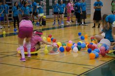 "Pennridge High School plays ""hungry, hungry hippos"" with balloons and laundry bins! How creative #FTK"
