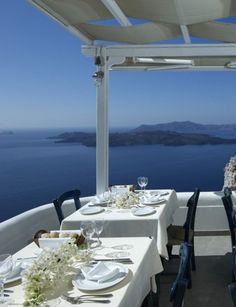 Caldera http://www.marie-claire.es/moda/tendencias/fotos/descubre-las-mejores-terrazas/caldera-santorini-grecia