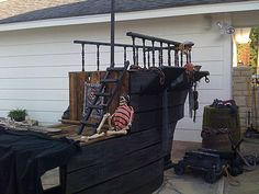 Prop Showcase: Homemade pirate ship