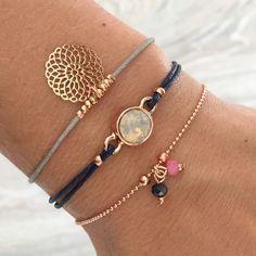 Mint15 armbanden set - navy, grijs, pink en rosé goud - available via www.capricci.nl | #armbandenset #armbanden #set #bracelets #armparty #armcandy #rosegoud #rose #swarovski #filigree #mint15 #capricci #capricci.nl