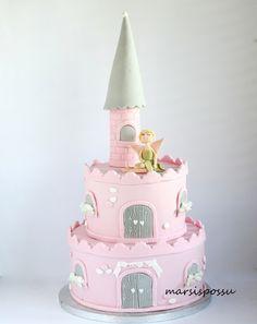 Marsispossu: Sadunhohtoinen prinsessalinnakakku, Princess castle cake