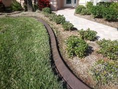 Landscape Curbing in Fort Myers Florida.  msdcurbing.com