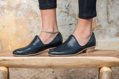 Flat Black Leather Shoes / Women Shoes / by EllenRubenBagsShoes