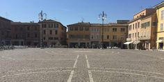 Fano Italien ... eine lebhafte Kleinstadt   Italien Region Marken Louvre, Street View, Building, Travel, Branding, Viajes, Buildings, Destinations, Traveling