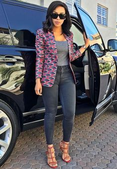 The Latest Ankara Tops With Jeans Style Ankara Tops, Ankara Blouse, Ankara Styles, African Fashion Designers, African Print Fashion, Africa Fashion, African Print Dresses, African Fashion Dresses, African Dress
