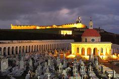 Castillo San Felipe del Morro and Santa Maria Magdalena Cemetery in San Juan, Puerto Rico © Maxbur | Dreamstime