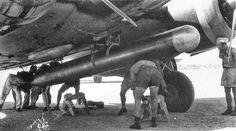 Armieri preparano un siluro per l'azione sul Mediterraneo (Sciacca 1941).
