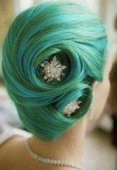 Green Victory Rolls, Rhinestone Hair Pins. Love!