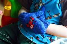 Ravelry: Gustaf - tractor mittens pattern by Kamilla