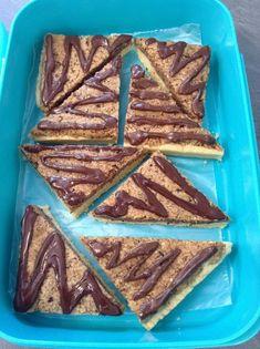 Nussecken, ein leckeres Rezept mit Bild aus der Kategorie Backen. 1.478 Bewertungen: Ø 4,7. Tags: Backen, Kekse