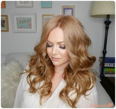 Loose Waves with a wand curling iron // Strawberry Blonde Hair // Clip in Extensions for redheads
