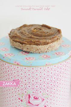 Raw Coconut Caramel Cake – RECIPE   ZAKKA – sweet design of Scandinavia • raw food, raw sweets, vegan, paleo, dairy free and processed sugar free, grain free, raw food cake