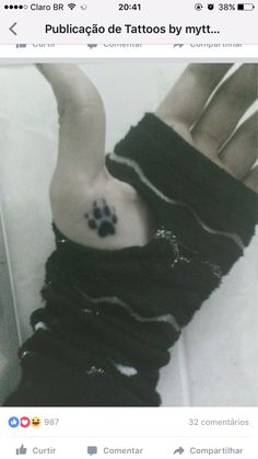 it's my wolf paw tattoo.i's real, made with a marker pen XD hand: le me photo: le me Wolf paw tattoo New Tattoos, Hand Tattoos, Tattoos For Guys, Tattoos For Women, Tatoos, Small Wolf Tattoo, Small Tattoos, Girly Tattoos, Wolf Tattoo Design