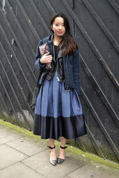 the-midi-skirt-street-style-london-fashion-week-aw14-_ (3)