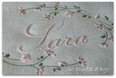 http://silviainpuntadago.blogspot.com/2010/10/e-per-lei-un-lenzuolino-in-batista-di.html
