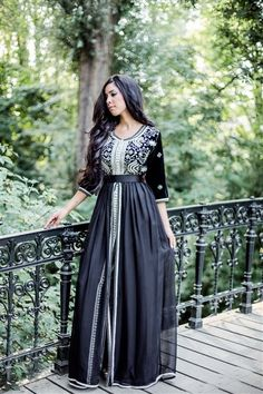 Awesome collection of Moroccan caftan abaya dresses ideas for function Hijab Fashion 2016, Arab Fashion, Islamic Fashion, Indian Fashion, Moda India, Pretty Dresses, Beautiful Dresses, Morrocan Dress, Moroccan Caftan