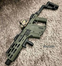 Vector Gun Sweet set up! I really want a Kriss Vector. Airsoft Guns, Weapons Guns, Guns And Ammo, Rifles, Kriss Vector, Ar Pistol, Concept Weapons, Custom Guns, Cool Guns