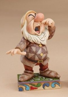 Sneezy figurine (Jim Shore Disney Traditions) from our Jim Shore Disney Traditions collection Hades Disney, Walt Disney, Disney Home, Disney Magic, Disney Art, Disney Movies, Disney Pixar, Disney Characters, Snow White Movie
