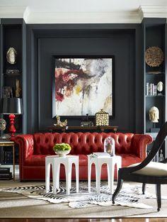 Grande toile, console et étagères symétriques