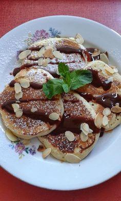 Amerikai palacsinta Waffles, Pancakes, Hungarian Recipes, Hungarian Food, Cookie Recipes, French Toast, Goodies, Sweets, Vaj