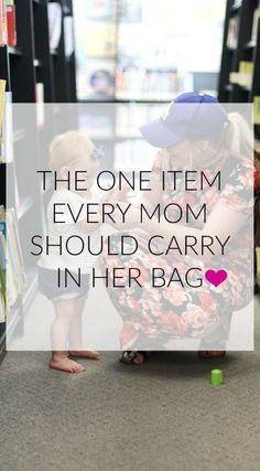 diaper bag items | must have diaper bag items | what to put in diaper bag | new mom | tips and tricks | motherhood tips | cute diaper bags | babyganics