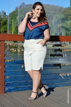 Bermuda Plus Size Cravina : Over 50 Womens Fashion, Plus Size Fashion For Women, Fashion Fall, Fashion 2020, Looks Plus Size, Plus Size Model, Plus Size Blog, Short Outfits, African Fashion
