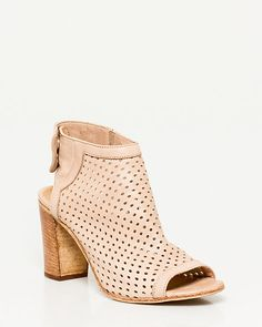 Le Château: Italian-Made Leather Perforated Shootie