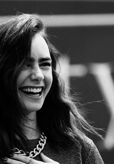 The ever-so-classy Lily Collins. I have a big, fat girl crush on her...