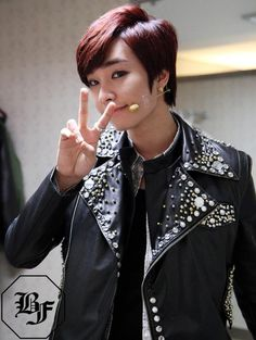 Jeongmin Boyfriend Band, Starship Entertainment, Kpop Groups, Kdrama, Creativity, Celebrities, Celebs, Celebrity, Famous People