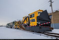 RailPictures.Net Photo: LI 4230 Long Island Railroad Harsco Spreader at Ronkonkoma, New York by LawnGuylander