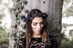 I am a Berlin based Headpieces Designer - Flower Crowns, Tiaras, Turbans and many more...here is a collections of my work. You can find more her:www.kopflegenden.de © flash-factory.eu