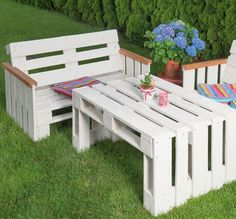 Pallet Furniture Plans, Pallet Sofa, Outdoor Furniture Sets, Outdoor Decor, Driftwood Candle Holders, Hydrangea Care, Hallway Designs, Contemporary Interior Design, Pallet Projects