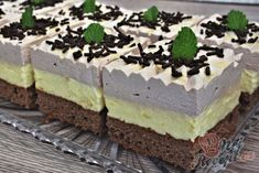 Pizza kornoutky se šunkou a sýrem Czech Recipes, Ethnic Recipes, Cake Bars, Pavlova, Tiramisu, Cheesecake, Food And Drink, Pudding, Sweets