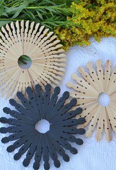 Untersetzer aus Holzklammern untersetzer aus holz selber machen pfannenuntersetzer selber basteln untersetzer basteln kindern blumentopf untersetzer selber machen untersetzer für gläser basteln mit wäscheklammern topfuntersetzer basteln mit wäscheklammern holz basteln mit wäscheklammern vorlagen basteln mit holzklammern ideen basteln mit wäscheklammern tiere engel basteln mit wäscheklammern basteln mit halben holzklammern basteln mit wäscheklammern ostern engel aus wäscheklammern…