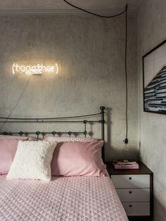 Apartamento pequeno inspirado no design escandinavo / quarto insdutrial e minimalista