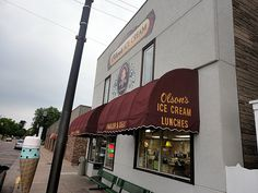 Olsons Ice Cream in Chippewa Falls, Wisconsin {source: Traveling Ted}