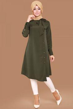 - Tesettür Hırka Modelleri 2020 - Tesettür Modelleri ve Modası 2019 ve 2020 Stylish Hijab, Modest Fashion Hijab, Modern Hijab Fashion, Muslim Women Fashion, Islamic Fashion, Modest Outfits, Abaya Fashion, Fashion Outfits, Designs For Dresses
