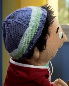 free pattern for a hat to support a young child through cancer treatment