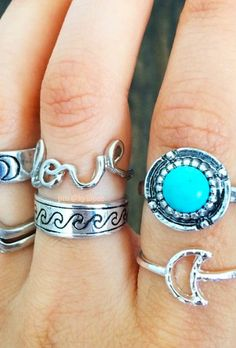 love the 'love' ring Cute Jewelry, Jewelry Box, Silver Jewelry, Jewelry Accessories, Fashion Accessories, Fashion Jewelry, Jewlery, Indian Jewelry, Boho Jewelry
