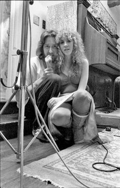 Stevie Nicks being a total fucking babe and Herbert Worthington III Lindsey Buckingham, Buckingham Nicks, Music Icon, Her Music, Members Of Fleetwood Mac, Stephanie Lynn, Stevie Nicks Fleetwood Mac, Debbie Harry, Fairy Godmother