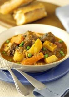 Learn how to prepare this easy Beef and Guinness Stew recipe like a pro. Guinness Stew Recipe, Guinness Beef Stew, Pea Recipes, Soup Recipes, Cooking Recipes, Slow Cooking, Easy Beef Stew, Beef Stew Meat, Winter Soups